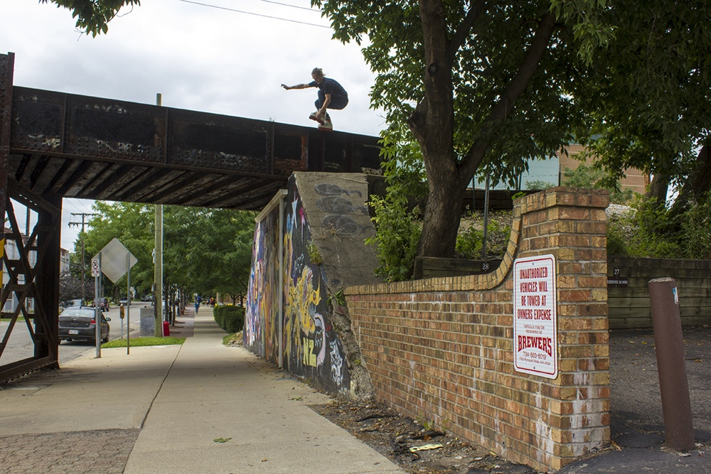 Makio drop in to brick roll 180 out - photo_Ryan Grau