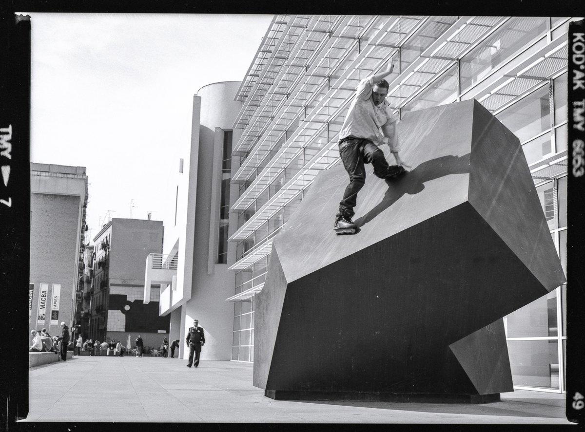 Alex Pym, Frontside Sess, Barcelona, 2004